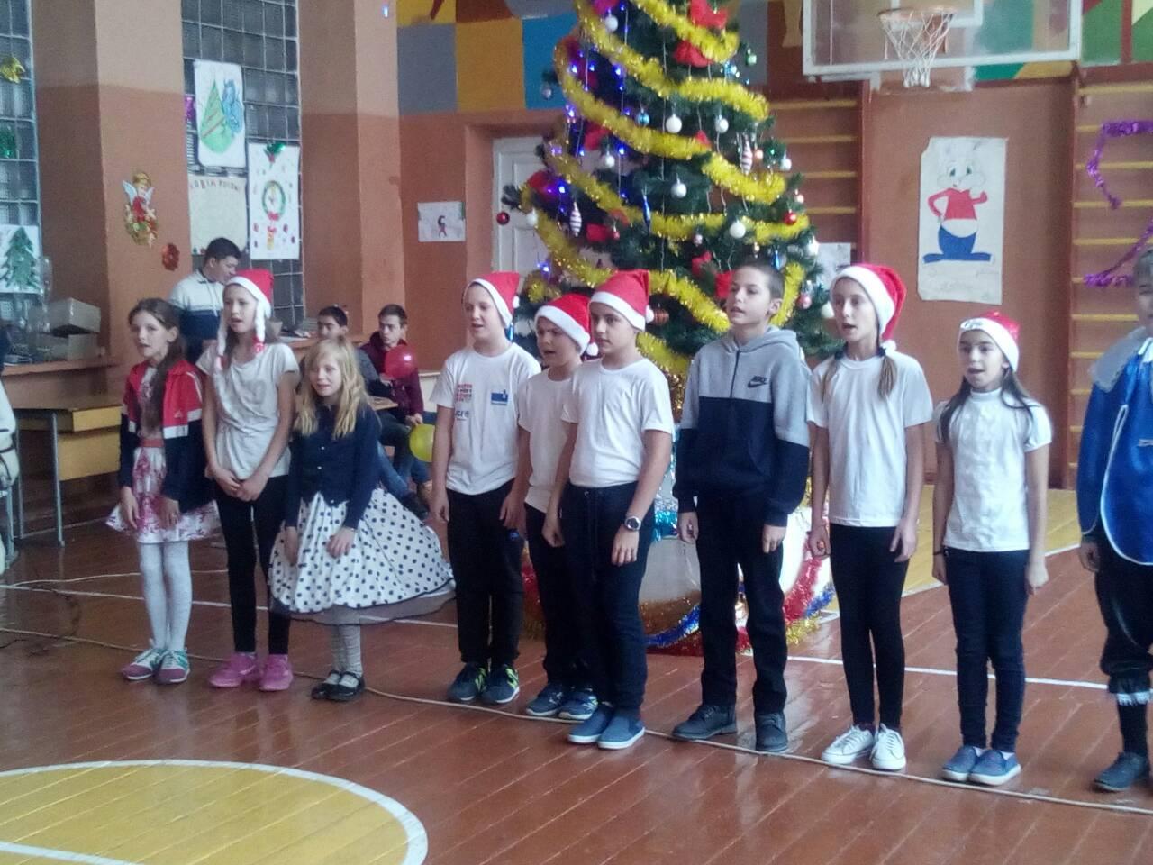 Новорічні забави учнів 5-11 класів