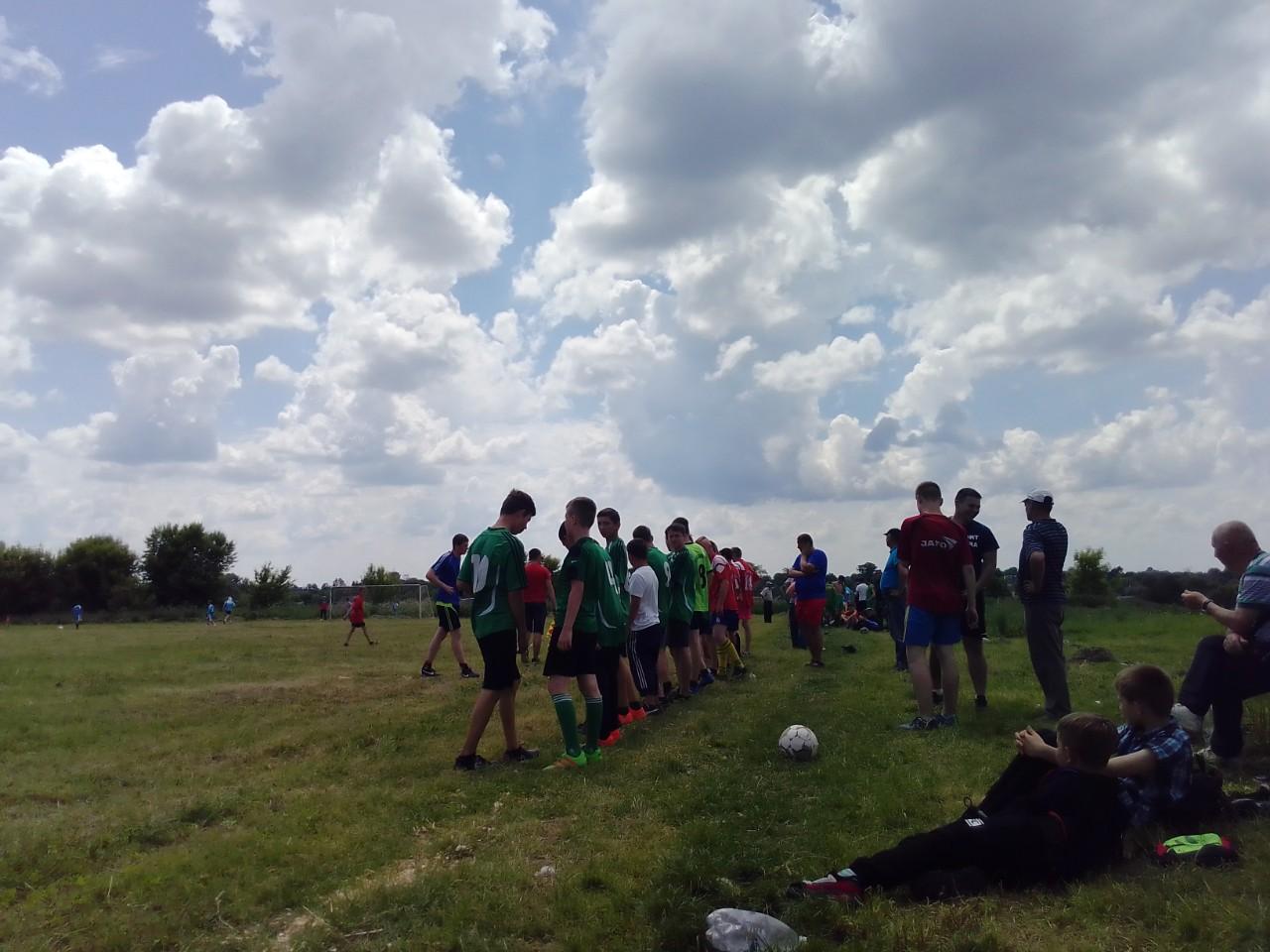 Традиційні змагання з футболу